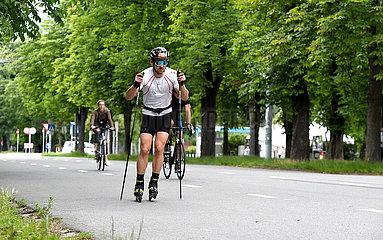 (SP)AUSTRIA-VIENNA-PRATER-EXERCISES