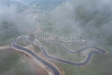 CHINA-SICHUAN-Butuo-ROAD (CN)
