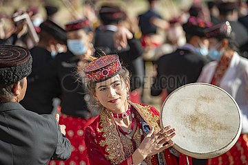 CHINA-XINJIANG-Drachenbootfest-PERFORMANCE (CN)