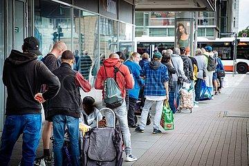 Obachlosenschlange in der Moenckebergstrasse