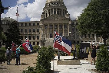US-MISSISSIPPI-STATE EMBLEM FLAG-CONFEDERATE