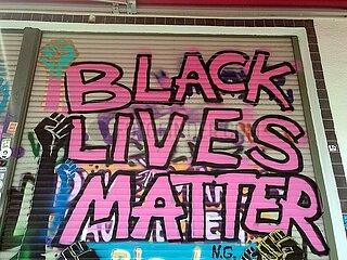 Schriftzug Black lives matter