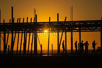 MIDEAST-GAZA-STADT-SUNSET