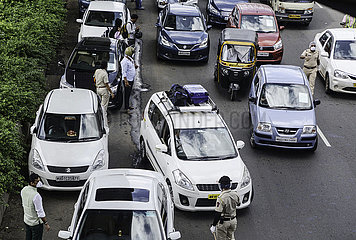 INDIA-MUMBAI-COVID-19-TRAVEL RESTRICTIONS-TRAFFIC JAM