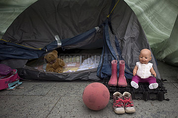 Mahnwache fuer Kinder in Moria