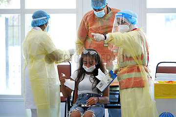 KUWAIT-KUWAIT CITY-COVID-19-MEDICAL CHECK