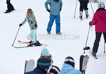 NEW ZEALAND-SKI FIELD-TOURISTS