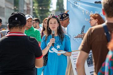 Uiguren demonstrieren in München gegen die chinesische Unterdrückung