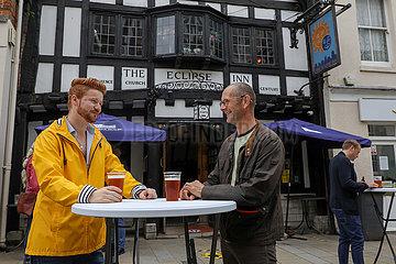 BRITAIN-WINCHESTER-COVID-19- 'SUPER Samstag'