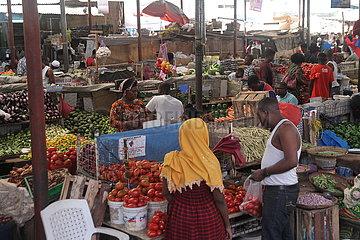 TANZANIA-Daressalam-soziale und wirtschaftliche Aktivitäten-NAHME
