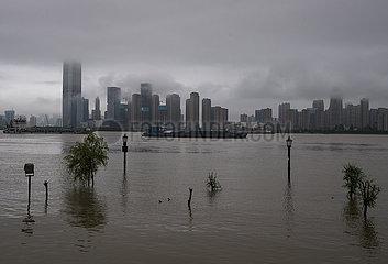 CHINA-HUBEI-WUHAN-NOTFALL-FLOOD ZUGSTEUERUNG UPGRADE (CN)