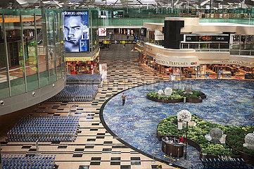Singapur  Republik Singapur  Menschenleere Abflughalle im Terminal 3 am Flughafen Changi