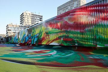 Berlin  Deutschland - Bemalte Rieckhallen mit der Malerei von Katharina Grosse.