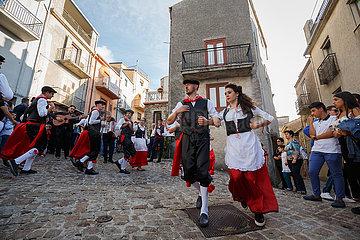 San Mauro Castelverde  Italien - Traditioneller Volkstanz Tarantella  Sizilien