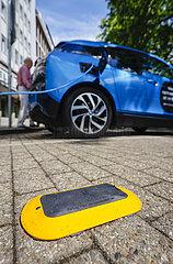 Parksensoren  Smart Poles  intelligente Strassenlaternen  Essen  Ruhrgebiet  Nordrhein-Westfalen  Deutschland