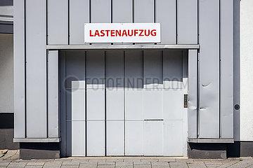 Lastenaufzug  Luise Albertz Halle  congress centrum  Oberhausen  Ruhrgebiet  Nordrhein-Westfalen  Deutschland