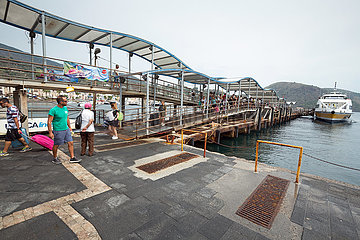 Lipari  Sizilien  Italien - Faehranleger Steg  Liparischen Inseln