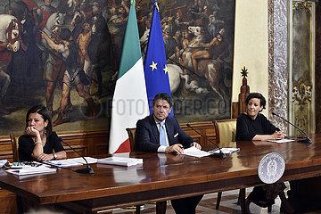 ITALIEN-ROM-PM-KONJUNKTUR-CORONAVIRUS EMERGENCY