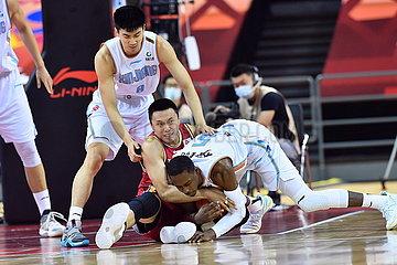 (SP)CHINA-QINGDAO-BASKETBALL-CBA LEAGUE-XINJIANG VS SHANXI (CN)