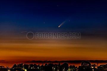 Komet Neowise über Siegburg | Comet Neowise over Siegburg