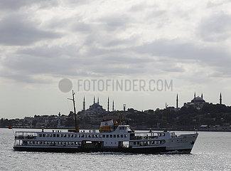 TÜRKEI-ISTANBUL-FERRIES