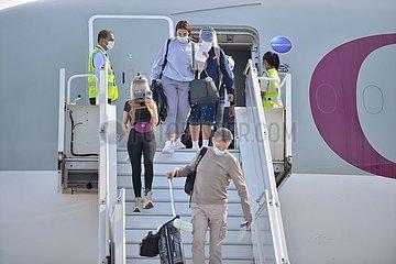 MALEDIVEN-MALE-TOURISTEN-Ankunft MALEDIVEN-MALE-TOURISTEN-Ankunft
