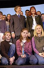 Bill Gates  Preisverleihung an Schueler  Microsoft  Muenchen  2003