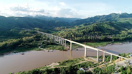 LAOS-VIENTIANE-CHINA-LAOS RAILWAY-BRIDGE-BEAM INSTALLATION-COMPLETION
