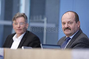 Bundespressekonferen zum Thema: Das neue Waldsterben und Loesungsansaetze
