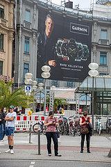 Menschen shoppen in München