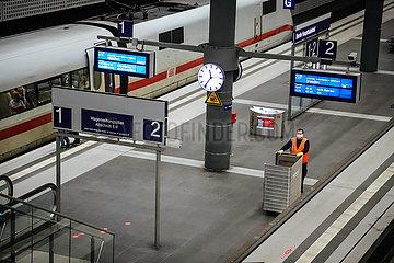 Berliner Hauptbahnhof in Zeiten von Corona