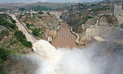 CHINA-GANSU YELLOW-RIVER-BEHÄLTER-Hochwasserabfluss (CN)