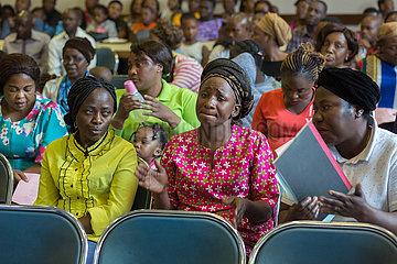 Pretoria  Suedafrika - Pastorin Rosalie Madika  Gottesdienst