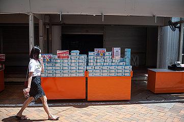 Singapur  Republik Singapur  Mundschutzmasken an einem Verkaufsstand in Chinatown