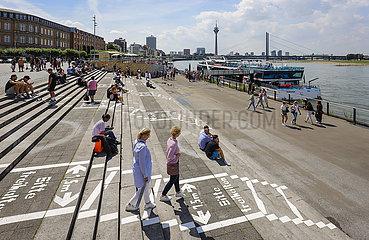 Rheinuferpromenade in Zeiten der Corona-Pandemie  Duesseldorf  Nordrhein-Westfalen  Deutschland