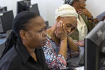 Johannesburg  Suedafrika - Outreach Foundation Hillbrow  Computerkurs