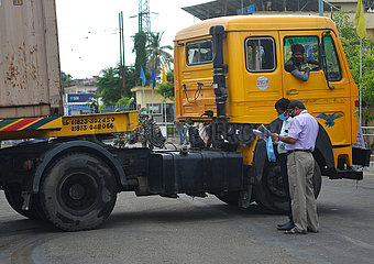 INDIEN-Agartala-CONTAINER CARGO-TRANSPORT