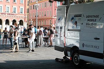 FRANKREICH-NICE-COVID-19-Siebstationen