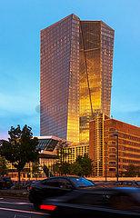 Deutschland  Frankfurt am Main - Stadtverkehr und die Europaeische Zentralbank (EZB)