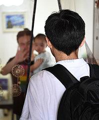 CHINA-VIRUS-GUANGDONG TESTING FACH-DEPARTURE nach Hongkong-COVID-19 (CN)