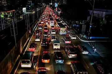 PHILIPPINEN-MANILA-COVID-19-SPERRE-TRAFFIC