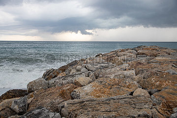 Schlechtes Wetter und Covid-19 drosseln den Tourismus in Italien
