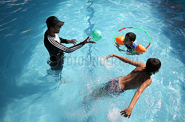 MIDEAST-GAZA-AUTISTIC CHILDREN-SWIMMING