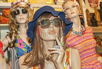 Schaufensterpuppen  Moder der 1970er Jahre  Flohmarkt