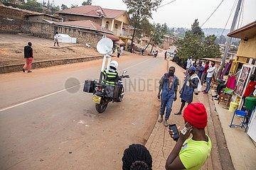 Rwanda-KIGALI-COVID-19-POLIZEI-LAUTSPRECHER