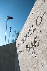 Kroatien  Rab  San Marino - Neues Denkmal fuer Gefallene des Dorfs im Zweiten Weltkrieg  Kroatien stand auf Seite Deutschlands