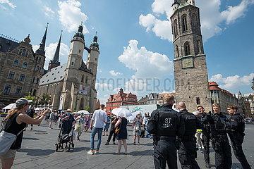 Bundesweite Sternfahrt Omas gegen Rechts nach Halle