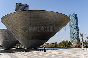 Seoul  Suedkorea  Incheon Tri-bowl  ein modernes Kunst- und Kulturzentrum in der New Songdo City