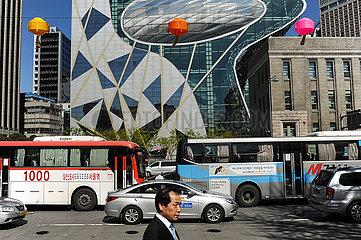 Seoul  Suedkorea  Hohes Verkehrsaufkommen im Stadtzentrum der suedkoreanischen Hauptstadt