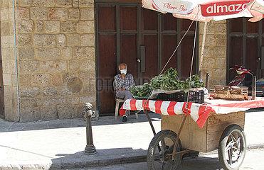 LIBANON-TRIPOLIS-COVID-19-FÄLLE-CURFEW